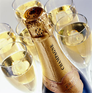 champagne-bottle-and-glasses